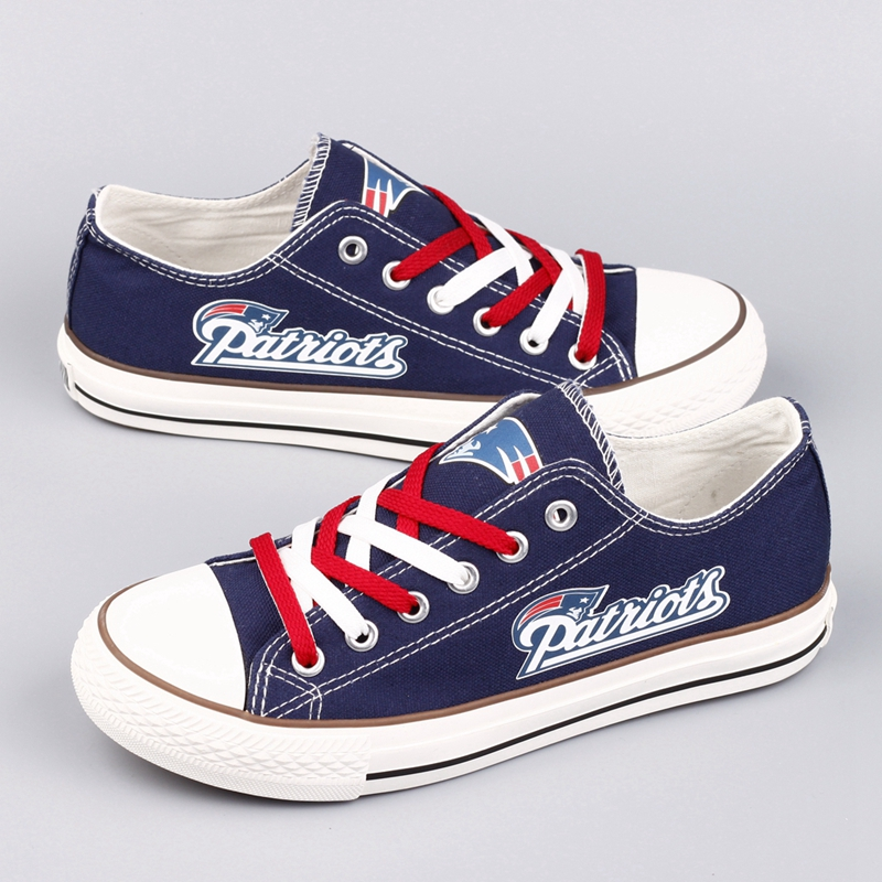 Women's NFL New England Patriots Repeat Print Low Top Sneakers 001